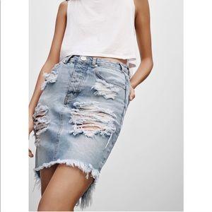 One teaspoon 2020 distressed denim skirt size 27